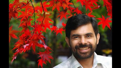 കഷ്ടങ്ങള് എത്ര ഏറിയാലും | KESTER | Christian Devotional Songs Malayalam HD